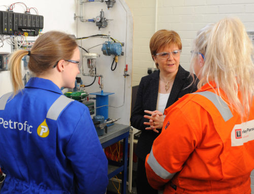 Scottish First Minister meets trailblazing female ECITB oil and gas apprentices